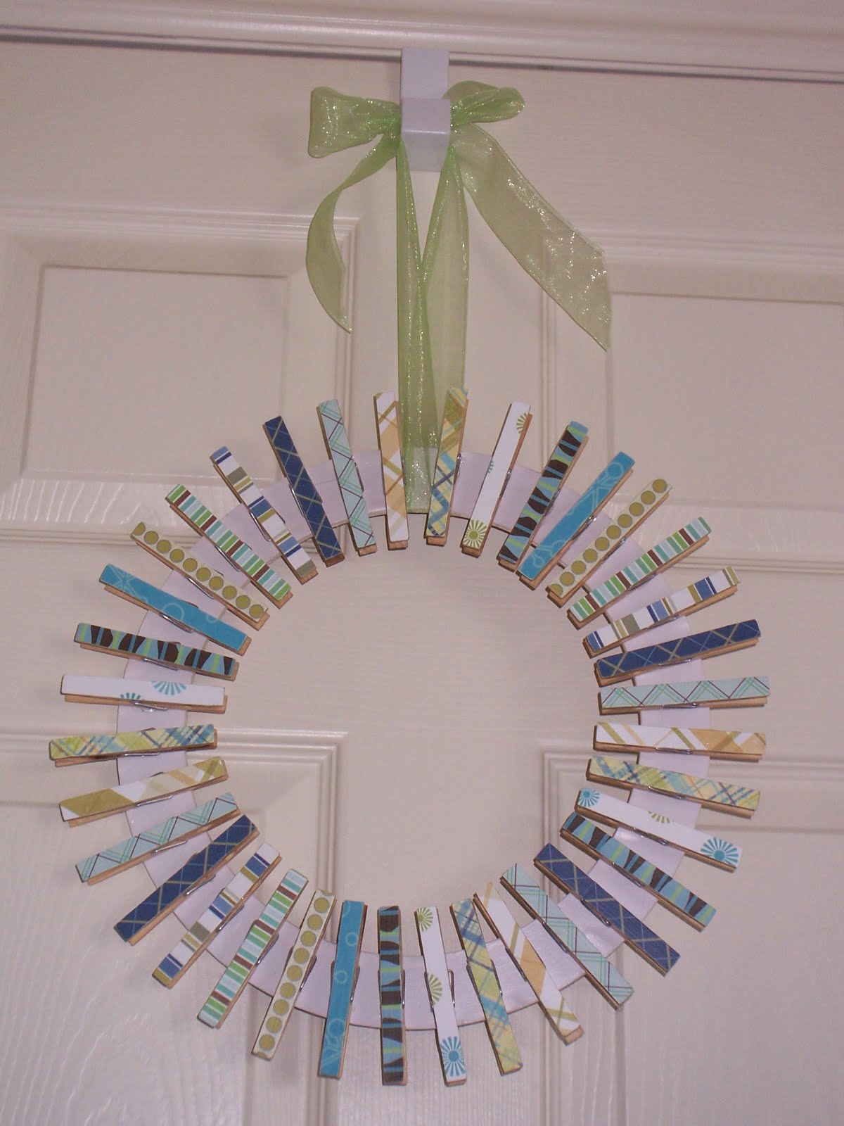 Simpler times clothespin wreath for Close pin crafts