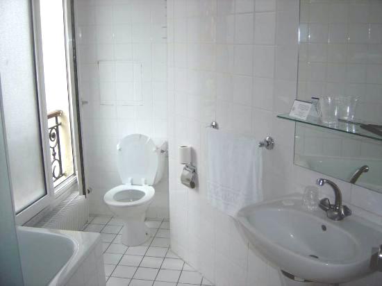 doccia davanti finestra : Bagno Con Doccia Davanti Finestra : Bagno Con Doccia Davanti Finestra ...
