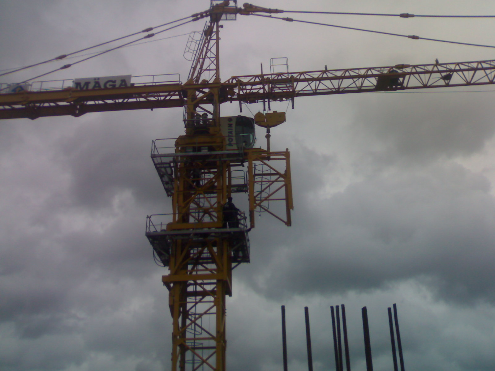 Tower Crane Self Assembly : Successful construction assemble and increase the height
