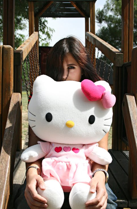 http://4.bp.blogspot.com/_-9esfQKRXsY/TGItsGyrYhI/AAAAAAAAAPA/jBDlYX0Dnmo/s1600/__Hello_Kitty_by_DarkMoon86.jpg