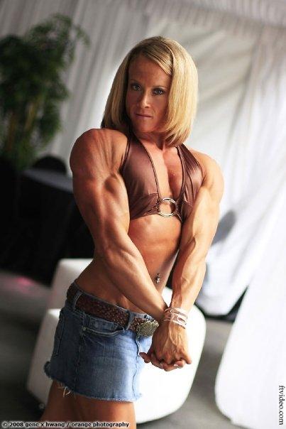 bodybuilder amanda folstad Female