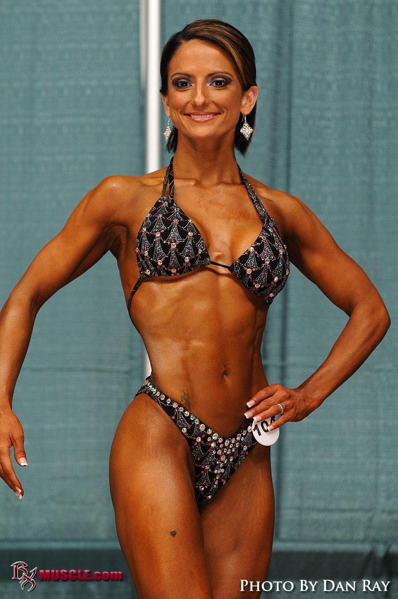 DSC 1674 DJIRZIKUEO [b]Bikini Contest/b] More updates here >