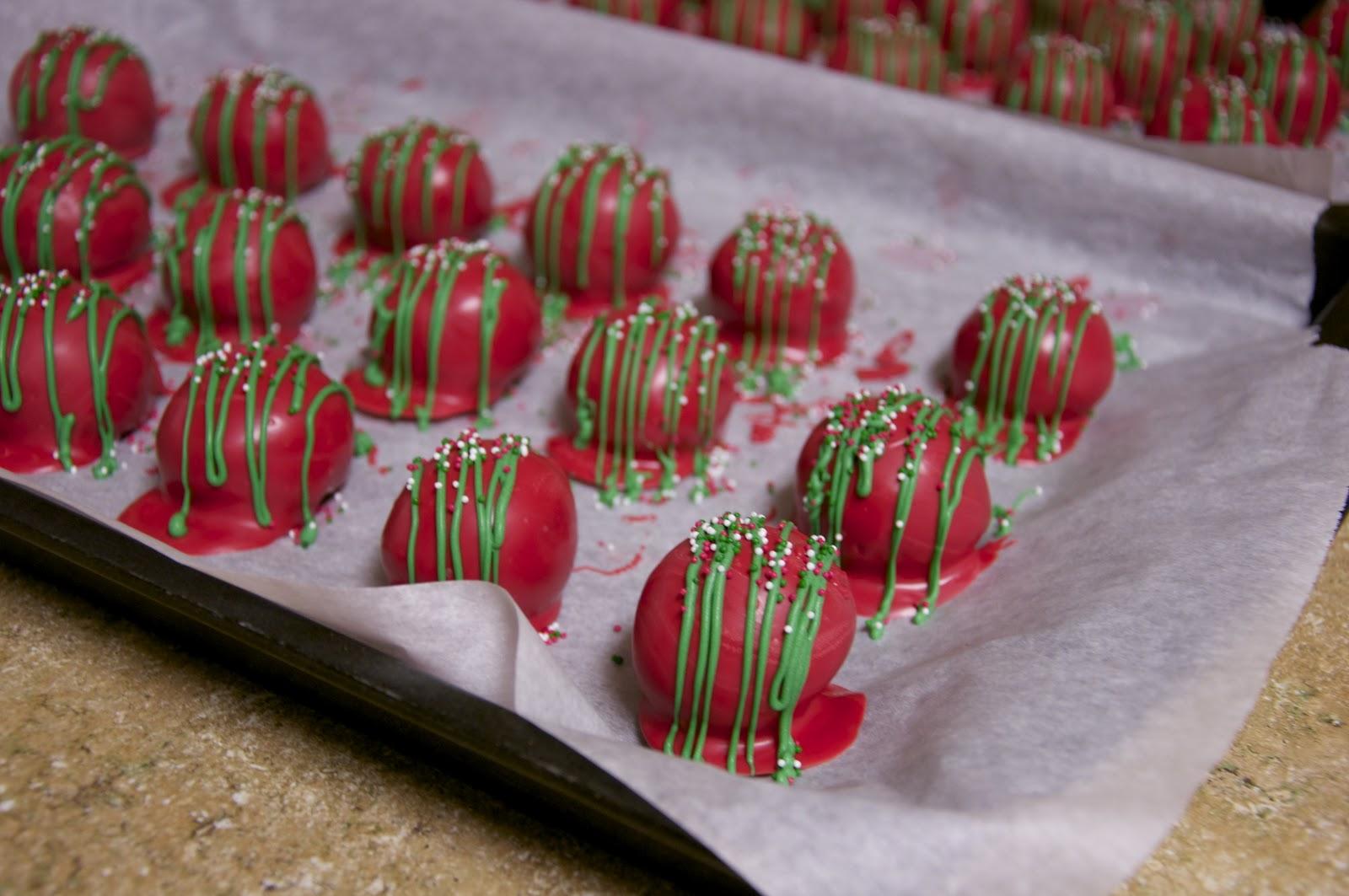 Images Of Christmas Cake Balls : The Owens Family Circus: Christmas Cake Balls