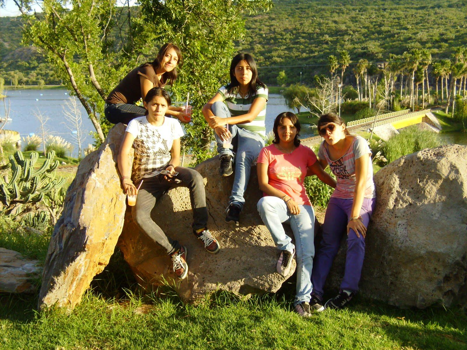 Tomandonos Una Foto En Las Rocas Bonitas