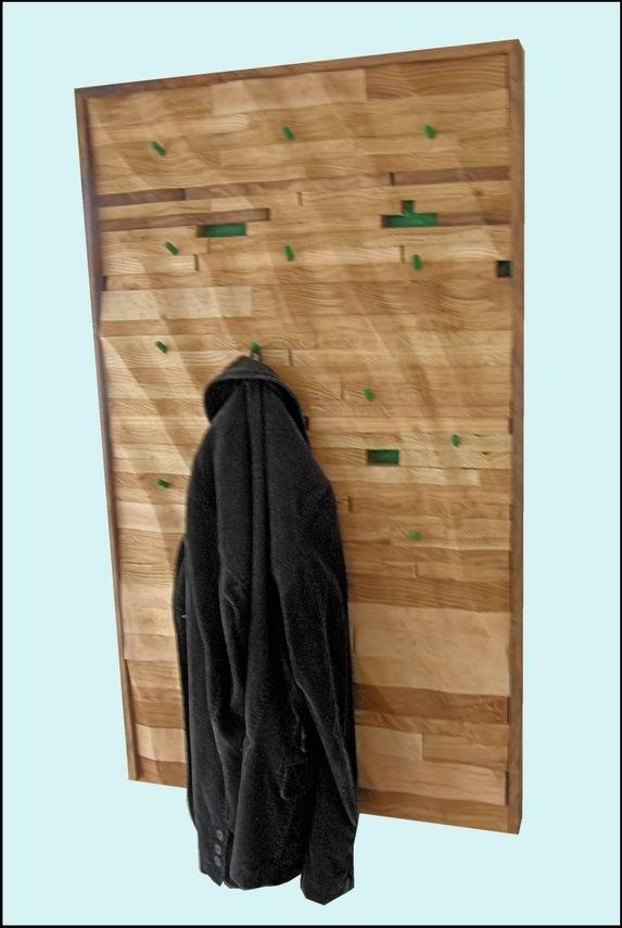 .: Dekorativna vjesalica za kapute