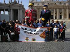 Els geganters i grallers de La Llacuna al Vaticà