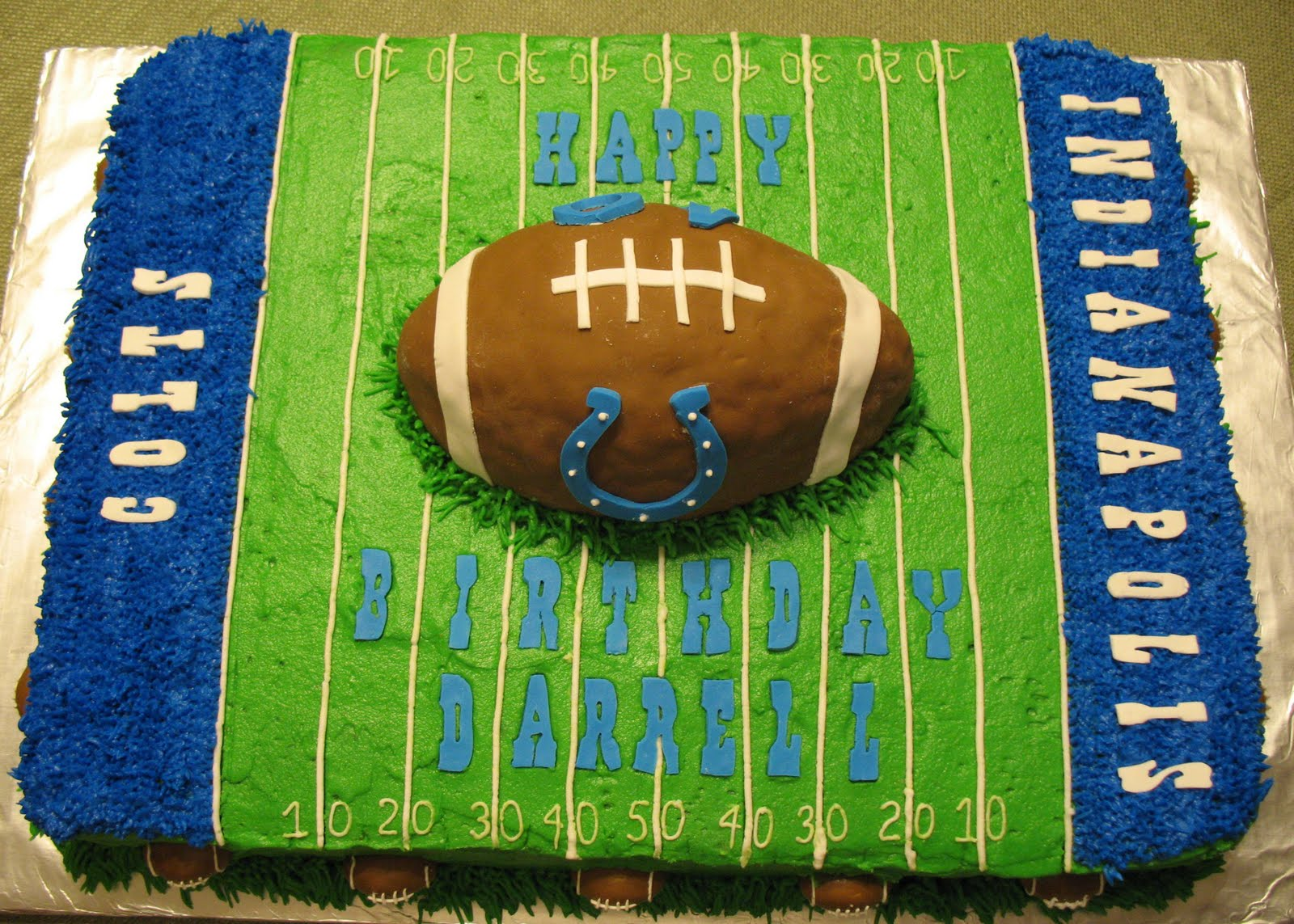 Cake Decorating Football Field : J s Cakes: Colts Football Cake