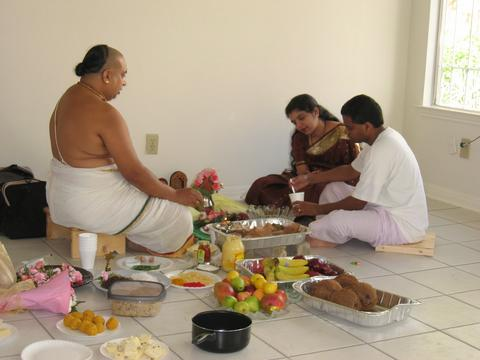 House construction in india vaastu guidelines house warming ritual - Return gifts for housewarming function ...