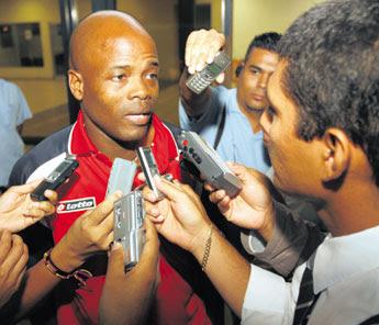 Juego amistoso.  8 de octubre del 2010 contra Panama en ciudad panama. Julio+dely+valdez