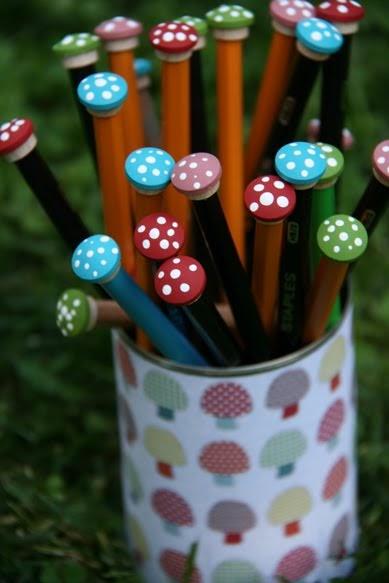Tchoubi petites histoires cr atives mes crayons aux - Fabriquer un coffre a jouets simple et rapide en bois ...
