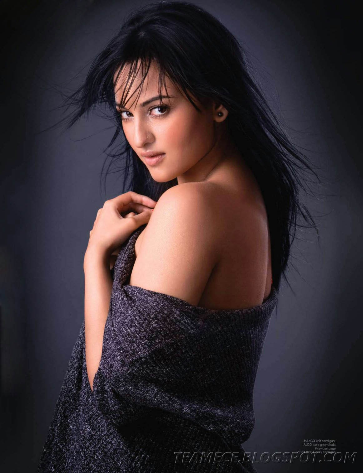 http://4.bp.blogspot.com/_-JJ0txqRqhA/TQZRPdJXlkI/AAAAAAAAB_o/F9Gbpg18PXY/s1600/Sonakshi-Sinha-For-Maxim-Magazine-Photo-Shoot.jpg