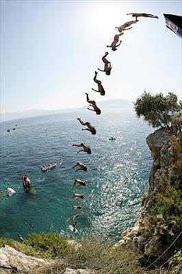 Azure croatia cliff diving series 2009 in dubrovnik - Highest cliff dive ever ...