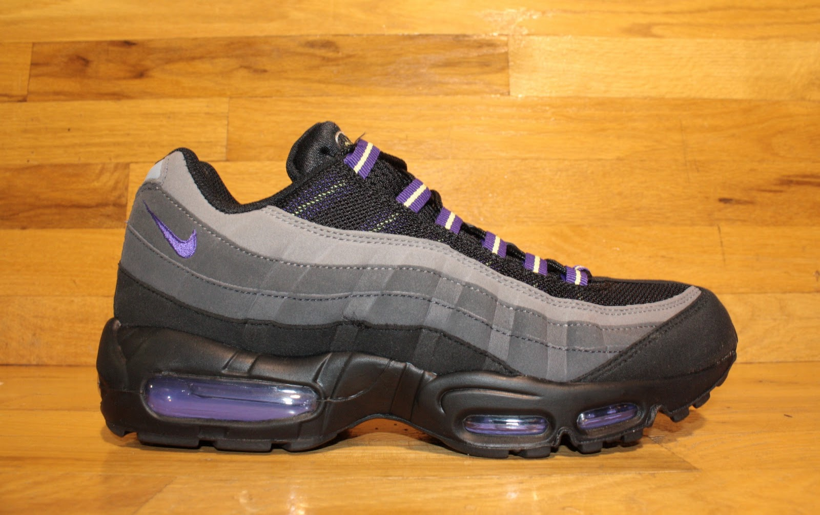 Air Max 95 Black Purple