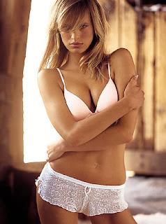 Hot model Karolina Kurkova sexy body