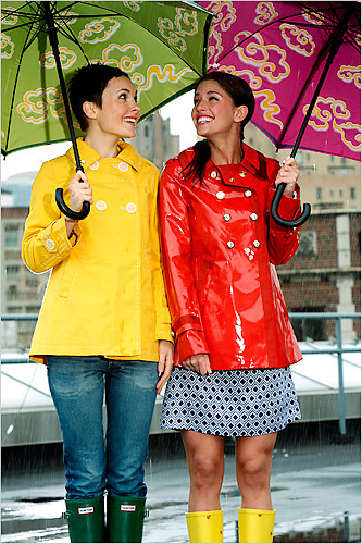 Raincoats For Women - Best Prices - Latest Fashions
