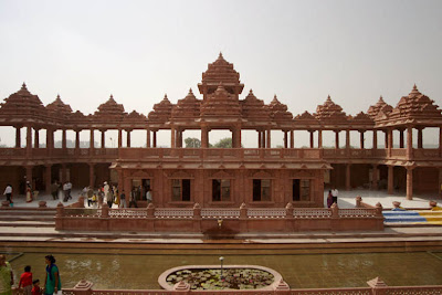 http://4.bp.blogspot.com/_-QCFUFzE_C8/R6hm2d6gnOI/AAAAAAAADCs/WbyvhcYaRrY/s400/Akshardham_Temple_New+_Delhi_05.jpg