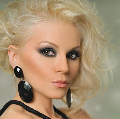 Summer Smokey Eyes Makeup Classic black smokey makeup ideas.