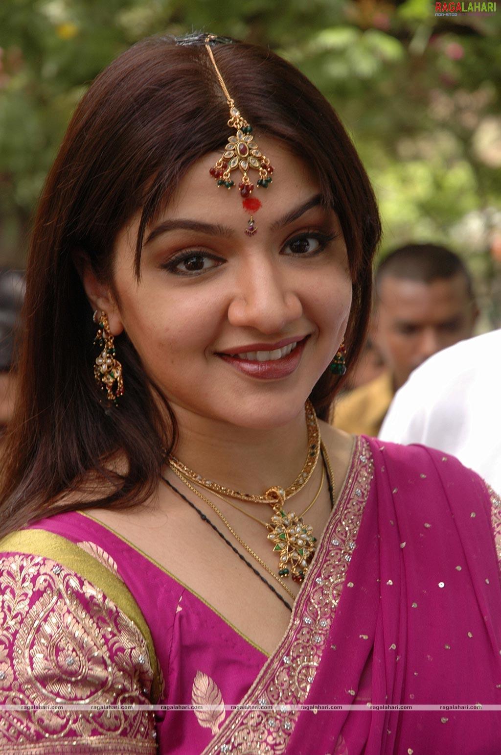 Priya Big Bang Theory Aarti Mann 1024px