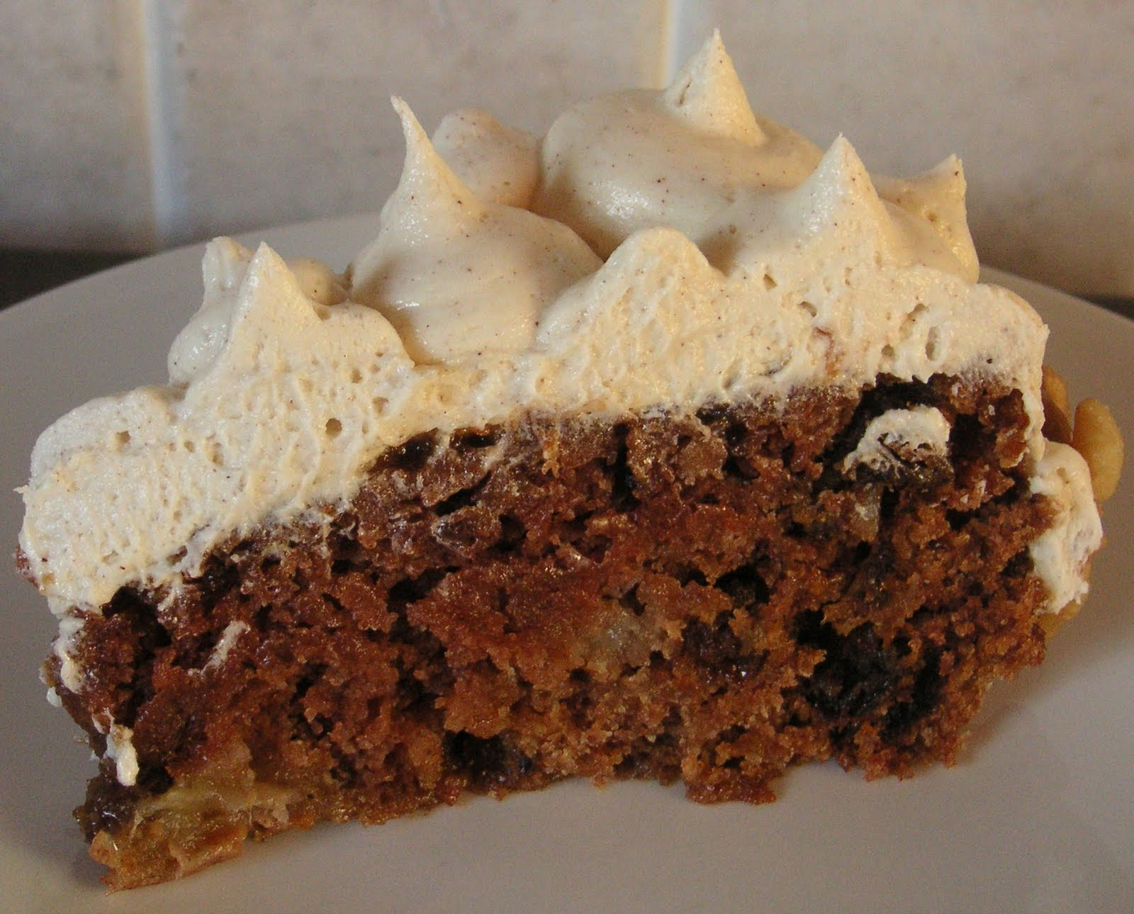 The Caked Crusader: Spiced apple sauce cake with cinnamon buttercream