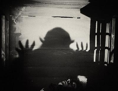 вампиры, фильмы о вампирах, вампиры в массовой культуре, носферату, живой мертвец, симфония ужаса, фильм ужасов, ретро