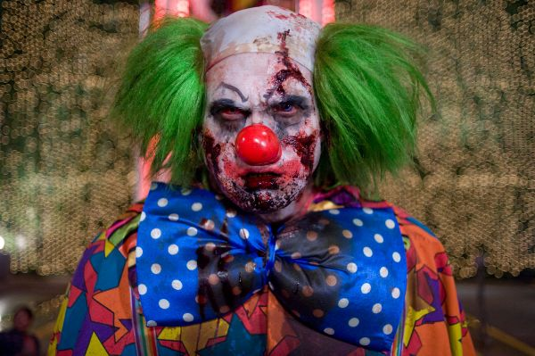 страшный клоун, ужасы, добро пожаловать в зомбиленд