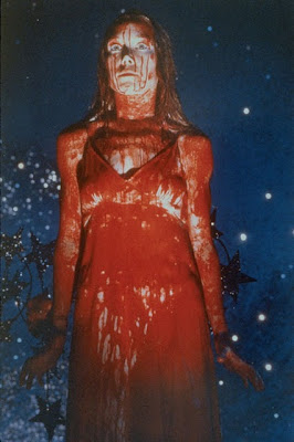 женщина в крови, кровь, ужасная сцена, страшная картинка