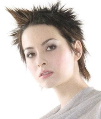 Short Women Hairstyles Spikey