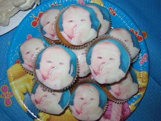 Photo cup cakes
