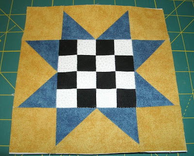 Quilt Patterns On Wisconsin Barns : Kim s Northwoods Discoveries: Saw Tooth 16 Patch - Wisconsin Quilt Blocks on Barns, Block of the ...
