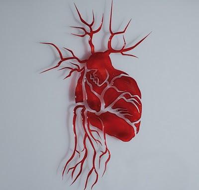 Hidden man heart optical illusion