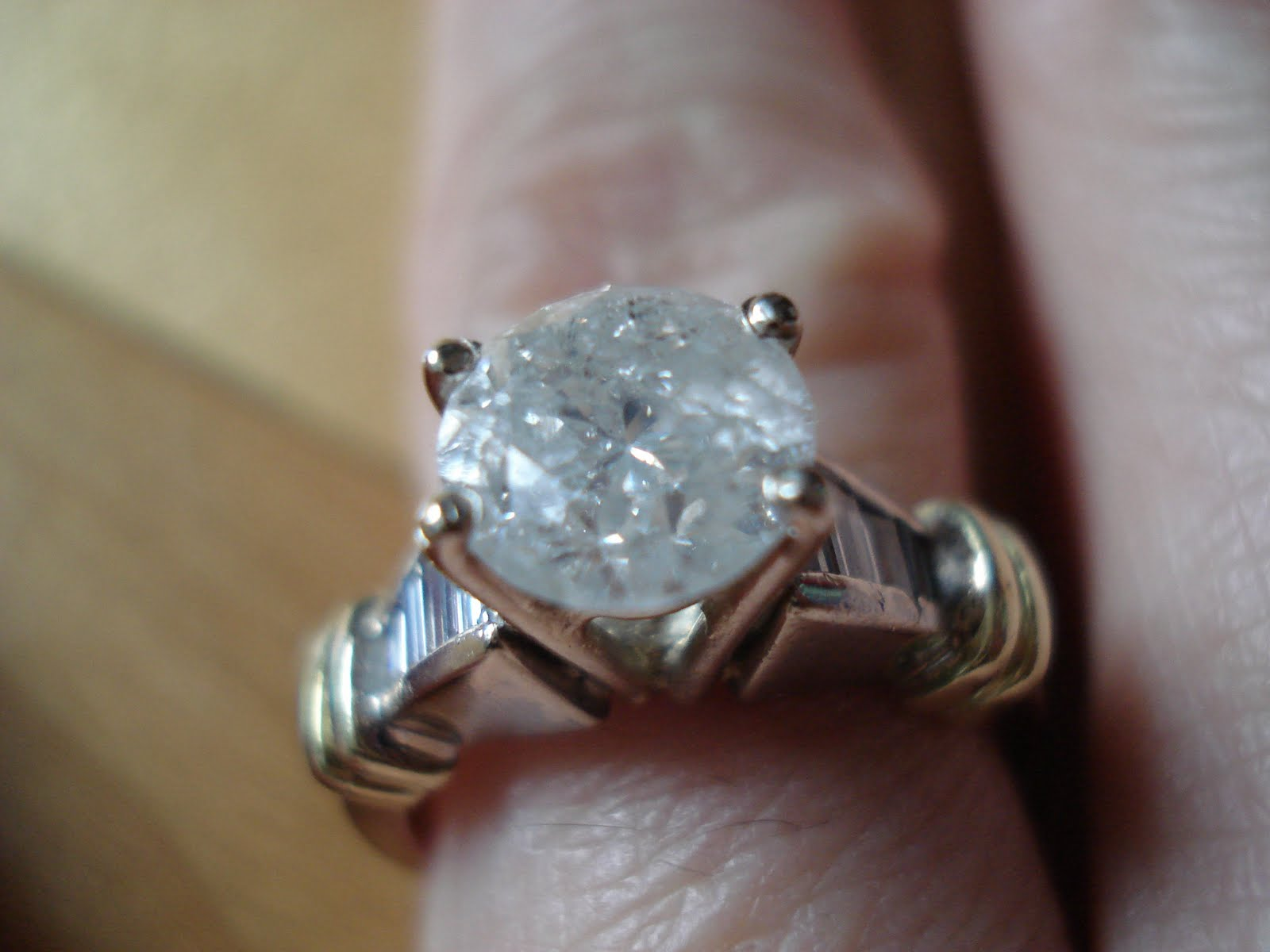 unlimiteditemsinc 18K 750 SOLITARY ACCENT APROX 2 CARAT DIAMOND RING PRICE