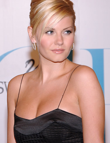 "Birth Name : Elisha Ann Cuthbert Height : - 5&squot; 4"" (163 cm)"