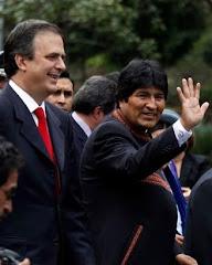 se movilizó el enorme aparato propagandístico que Castro y Chávez tienen montado
