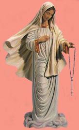 el reso del rosario es el mejor instrumento para arrancarle a Dios aquello que deseamos