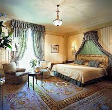 cama de lujo en que duerme Evo. Ritz Hotel de Madrid