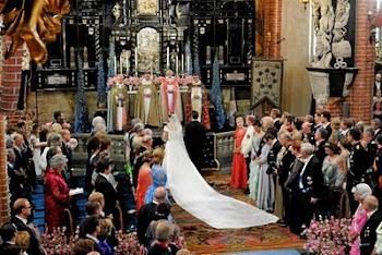 los lutheramos tienen ceremonias casi idénticas a los católicos