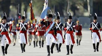 unos pocos granaderos de San Martín representaron al ejército argentino en Santiago
