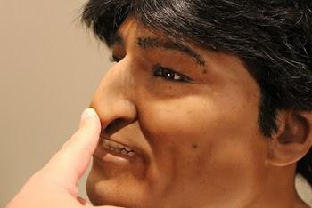 un escultor argentino viene realizando a pedido del Gobierno de Bolivia un busto de Evo