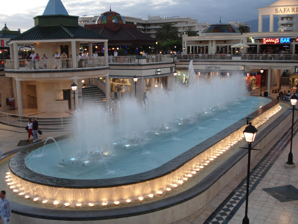 centro comercial la villa tenerife: