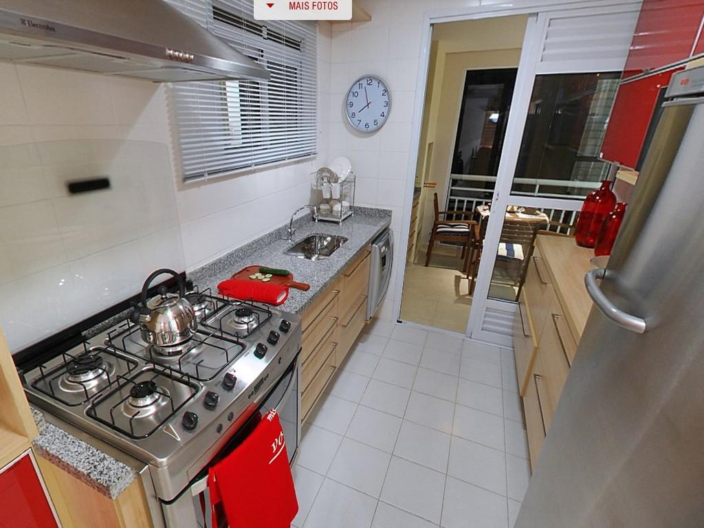 Cozinha Janela em cima da pia com visão para a rua. Saída 1 para o  #BE0C0F 1024x768 Banheiro Com Janela Em Cima Da Pia