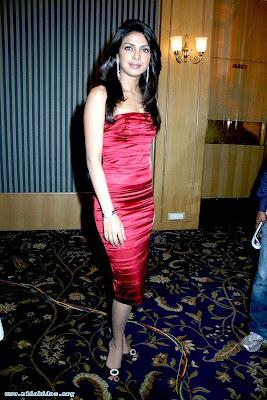 Priyanka Chopra biography and sexy photo gallery