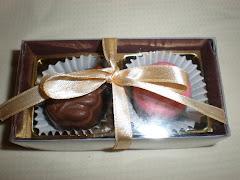 Coklat 2 biji = rm 2.50 ( 100 ke atas)