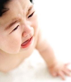 tips mengatasi bayi menangis