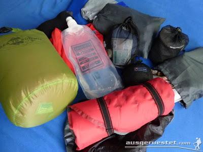 Meine Ausrüstung im 20 Liter im Sea to Summit Ultra sil Daypack