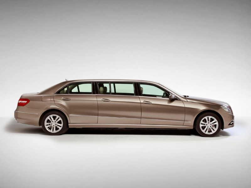 Car pictures and news 2010 mercedes benz e class limousine for Mercedes benz limo
