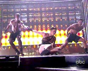 Jennifer Lopez Falling Down At AMA