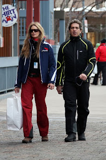 Elle Macpherson Shopping With Her New Boyfriend