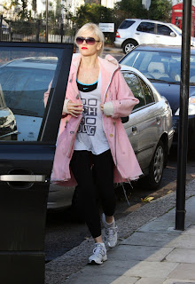 Gwen Stefani Out In London