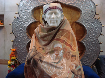 My humble pranams to Sai in this temple in Andheri [w].
