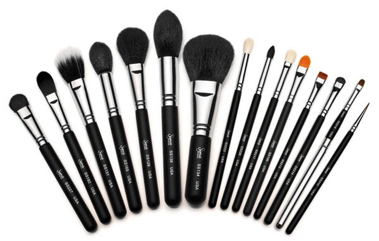 girl about town how to clean your makeup brushes